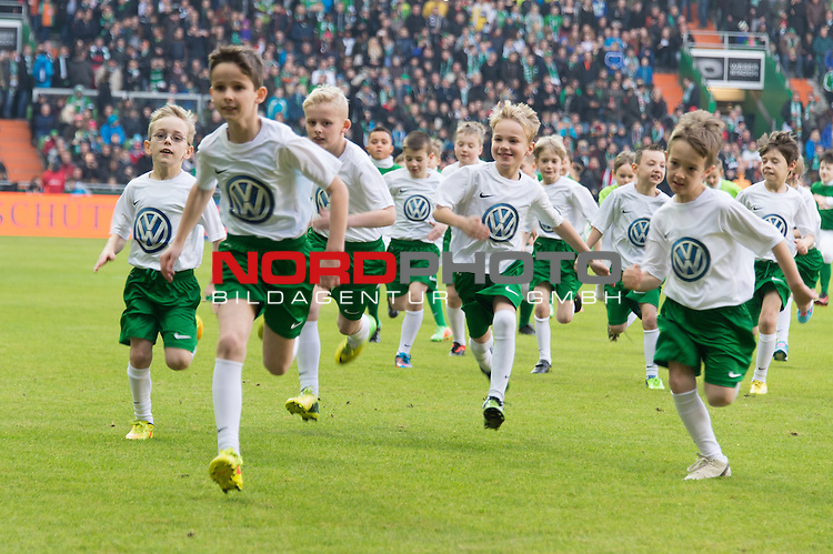 14.02.2015, Weser Stadion, Bremen, GER, 1.FBL. Werder Bremen vs 1. FC Augsburg, im Bild<br /> <br /> <br /> <br /> <br /> <br /> Foto &copy; nordphoto / Kokenge