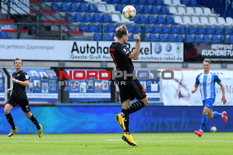 28.06.2020, Hänsch-Arena, Meppen, GER, 3.FBL, SV Meppen vs. FC Ingolstadt 04 <br /> <br /> im Bild<br /> Robin Krauße (FC Ingolstadt 04, 23) mit einem Kopfball.<br /> <br /> DFL REGULATIONS PROHIBIT ANY USE OF PHOTOGRAPHS AS IMAGE SEQUENCES AND/OR QUASI-VIDEO<br /> <br /> Foto © nordphoto / Paetzel