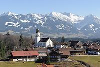 St. Alexander in Ofterschwang vor Allg&auml;uer Alpen, Bayern, Deutschland<br /> panorama of Allg&auml;u Alps and St. Alexander in Ofterschwang , Allg&auml;u, Bavaria, Germany