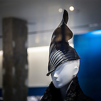 Vetrina di un negozio di moda in Mayfair<br /> <br /> Window of a fashion shop in Mayfair