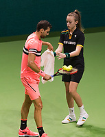 Rotterdam, The Netherlands, 17 Februari, 2018, ABNAMRO World Tennis Tournament, Ahoy, Tennis,  Grigor Dimitrov (BUL) gets a towel from a ballgirl<br /> <br /> Photo: www.tennisimages.com