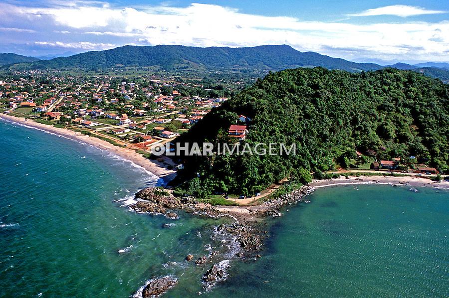 Aérea da Praia da Penha em Santa Catarina. 1995. Foto de Juca Martins.