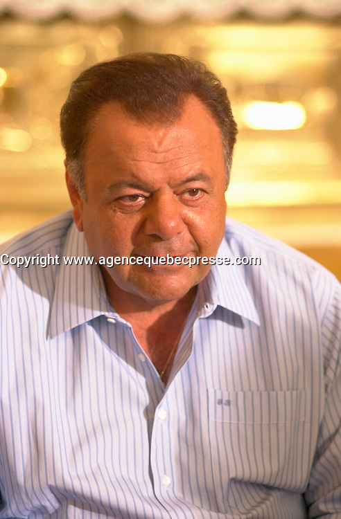 August 14 2002, Montreal, Quebec, Canada<br /> <br /> Actor Paul Sorvino, on the set on MAMBO ITALIANO,<br /> in Laprairie,  south of   Montreal, Quebec, Canada<br /> August 14 2002<br /> <br /> <br /> Mandatory Credit: Photo by Pierre Roussel- Images Distribution. (&copy;) Copyright 2002 by Pierre Roussel <br /> <br /> NOTE : <br />  Nikon D-1 jpeg opened with Qimage icc profile, saved in Adobe 1998 RGB<br /> .Uncompressed  Uncropped  Original  size  file availble on request.