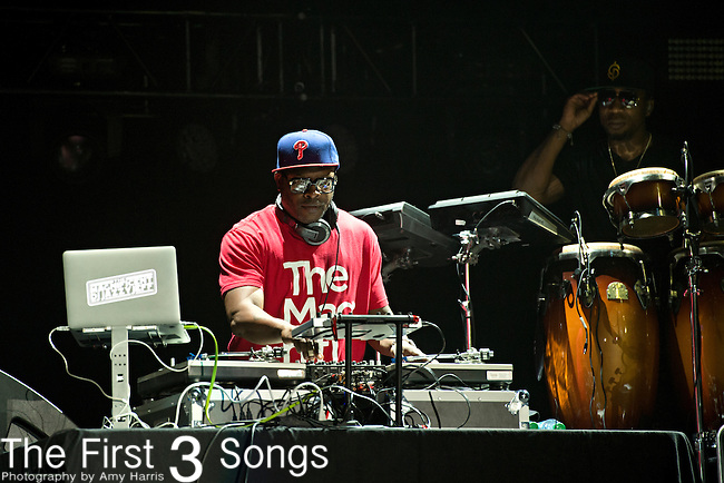 DJ Jazzy Jeff (real name Jeffrey Townes) performs with The Roots during the 2014 Essence Festival at the Mercedes-Benz Superdome in New Orleans, Louisiana.