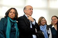 SAO PAULO, SP, 29 DE AGOSTO 2012 – O candidato a prefeitura da cidade José Serra esteve presente no Projeto Mãe Paulistana durante esta tarde no centro da capital. (FOTO: THAIS RIBEIRO / BRAZIL PHOTO PRESS).