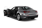 Car images close up view of a 2018 Maserati Quattroporte S 2WD 4 Door Sedan doors