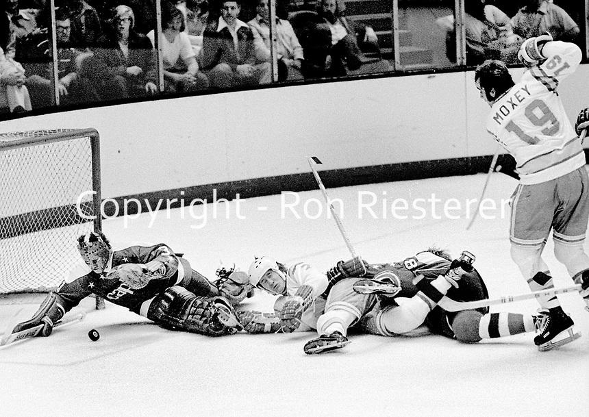 Washington Capitols goalie Michael Belhuneur blocks Seals goal attempt. .(1975 photo/Ron Riesterer)