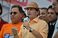 SÃO PAULO, SP, 01 DE MAIO DE 2013 - 1º DE MAIO UNIFICADO - DIA DO TRABALHO: Paulinho da Força durante festa do 1º de Maio Unificado, organizado pelas centrais sindicais Força Sindical, CTB, UGT e Nova Central para comemorar o Dia do Trabalhador na manhã desta quarta feira (01) na Praça Campo de Bagatelle, em Santana, Zona Norte da Capital. FOTO: LEVI BIANCO - BRAZIL PHOTO PRESS