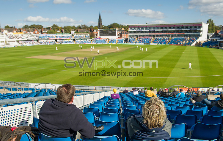 Picture by Allan McKenzie/SWpix.com - 26/09/2014 - Cricket - LV County Championship Div One - Yorkshire County Cricket Club v Somerset County Cricket Club - Headingley Cricket Ground, Leeds, England - Headingley Cricket Ground, general view, GV, fans, spectators.