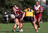 Tay-a Antonievic of Papakura looks to make a break. Premier Women's Rugby League, Papakura Sisters v Manurewa Wahine, Prince Edward Park, Auckland, Sunday 13th August 2017. Photo: Simon Watts / www.phototek.nz