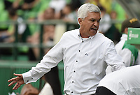 PALMIRA - COLOMBIA, 03-08-2019: Humberto Sierra técnico de Equidad gesticula durante el partido entre Deportivo Cali y La Equidad como parte de la Liga Águila II 2019 jugado en el estadio Deportivo Cali de la ciudad de Palmira. / Humberto Sierra coach of Equidad gestures during match between Deportivo Cali and La Equidad for the date 4 as part Aguila League II 2019 played at Deportivo Cali stadium in Palmira city. Photo: VizzorImage / Gabriel Aponte / Staff
