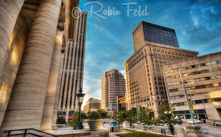 MainSt, Main Stree, Downtown Dayton Ohio, Old Courthuse, PNC, traffic, urbanscape, cityscape, Dayton skyline,  Premier Health Building, Society, Kettering Tower, Key Bank, Biltmore, street scene, hdr