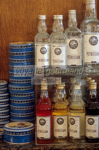 """Europe/France/Ile-de-France/Paris: Restaurant """"Petrossian"""" 18 boulevard de la Tour Maubourg - Boîte de caviar et vodka"""