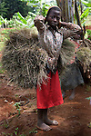 A young girl returning from the field to her village In the Kaniola area, where there has been instense sexual violance against women. <br />