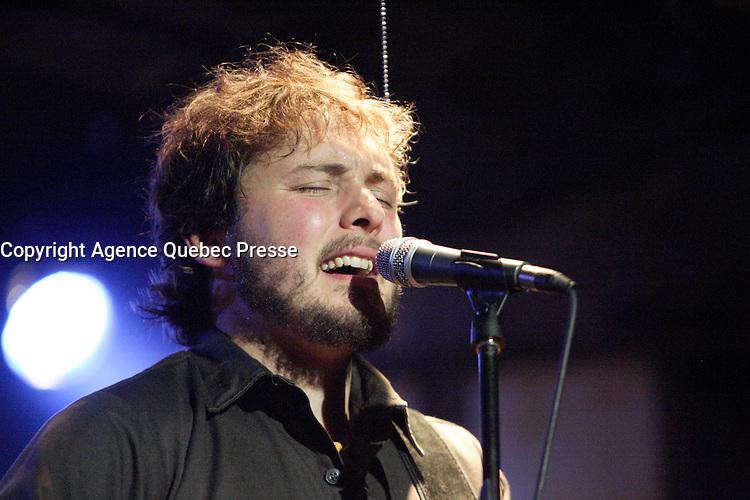 Montreal (Qc) CANADA - November 14, 2007 -<br /> Guillaume Arsenault pr&eacute;sente  LE RANG DES ILES, au Lion d'or.<br /> <br /> photo (c)  Images Distribution
