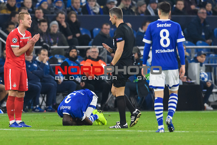 11.12.2018, VELTINS Arena, Gelsenkirchen, Deutschland, GER, UEFA Champions League, Gruppenphase, Gruppe D, FC Schalke 04 vs. FC Lokomotiv Moskva / Moskau<br /> <br /> DFL REGULATIONS PROHIBIT ANY USE OF PHOTOGRAPHS AS IMAGE SEQUENCES AND/OR QUASI-VIDEO.<br /> <br /> im Bild Hamza Mendyl (#3 Schalke) verletzt<br /> <br /> Foto © nordphoto / Kurth