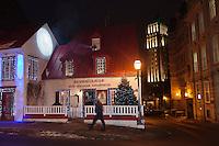 Amérique/Amérique du Nord/Canada/Québec/ Québec: Restaurant: Aux Anciens Canadiens, Rue Saint Louis
