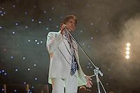 LISBOA, PORTUGAL, 14.05.2015 - SHOW-PORTUGAL - O cantor brasileiro Roberto Carlos durante apresentação do seu show no MEO Arena, em Lisboa, Portugal, nesta quinta-feira, 15.  (Foto: Bruno de Carvalho/Brazil Photo Press)