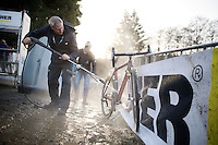turbo cleaning the bikes in the pits (during the race)<br /> <br /> Superprestige Francorchamps 2014