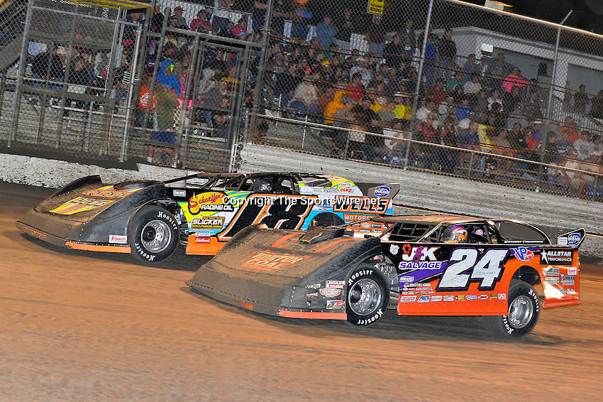 Feb 20, 2014; 9:23:49 PM;  Barberville, FL, USA;  World of Outlaws Late Model Series for 43rd Annual DIRTcar Nationals presented by Summit Racing Equipment at Volusia Speedway Park.  Mandatory Credit: (thesportswire.net)