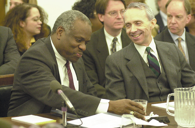 RC20000315-312-RR: March 15, 2000: Justices Clarence Thomas and David Souter.      Rebecca Roth/Roll Call.