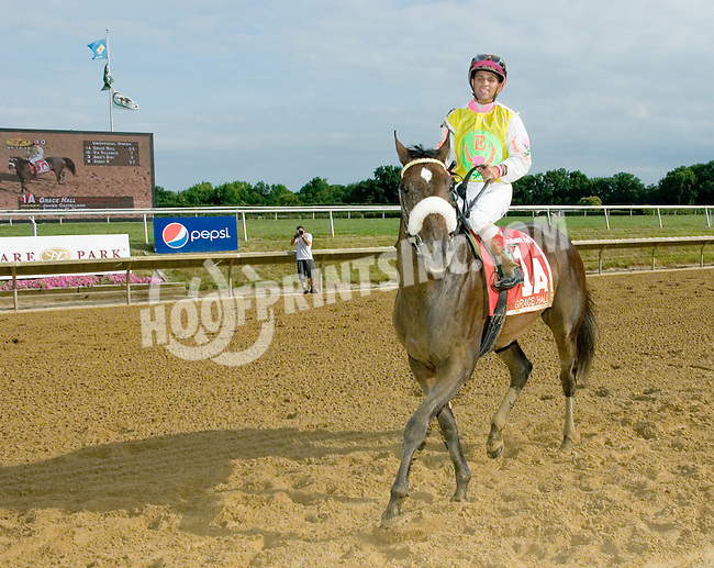 Grace Hall winning The Delaware Oaks (gr 2) at Delaware Park on 7/14/12