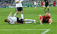 Sami KHEDIRA, 6DFB im Zweikampf , Aktion um den Ball gegen Cristiano RONALDO, PT7 Aktion, Zweikampf, Spielszene, Tackling, Ball ..DEUTSCHLAND - PORTUGAL ( : )..Gruppenspiel, Gruppe B , Deutsche Fussball Nationalmannschaft, DFB EM Euro 2012 am  09.06.2012 in Lviv, Lemberg, U K R A I N E Europameisterschaft 2012 in P o l e n, U k r a i n e..Fotograf: Peter Schatz..www.peterschatz.com..0171-8300650..ps@magics.de.. *** Local Caption ***  Foto ist honorarpflichtig nach MFM.. St.nr: 112/266/60560,  Honorar zuzuegl. Mwst. 7%..M ue n c h n e r B a n k BLZ 70190000 , Nr.7651562..BIC: GENODEF1M01  ..IBAN: DE78 7019 000 0000 7651562....Es gelten ausschliesslich die AGB von Peter Schatz..Auszug:..III. Nutzungsrechte..1. Der Kunde erwirbt grundsaetzlich nur ein einfaches Nutzungsrecht zur einmaligen Verwendung...6. Der Kunde ist nicht berechtigt, die ihm eingeraeumten Nutzungsrechte ganz oder teilweise auf Dritte, auch nicht auf andere Konzern- oder Tochterunternehmen, zu uebertragen...