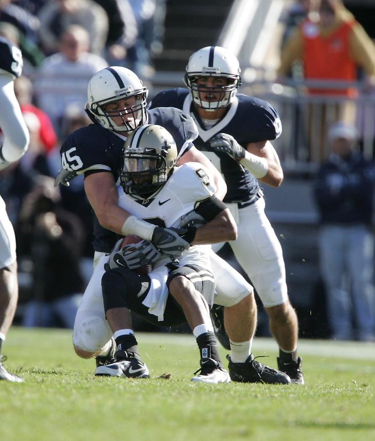 State College, PA -- 11/3/2007 --  defeated by a score of on Saturday, November 3, 2007, at Beaver Stadium...Photo:  Joe Rokita / JoeRokita.com