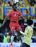 BOGOTA - COLOMBIA, 03-06-2019: Juan G Cuadrado jugador de Colombia disputa el balón con Jose Luis Rodriguez jugador de Panamá durante partido amistoso entre Colombia y Panamá jugado en el estadio El Campín en Bogotá, Colombia. / Juan G Cuadrado player of Colombia fights the ball with Jose Luis Rodriguez player of Panama during a friendly match between Colombia and Panama played at Estadio El Campin in Bogota, Colombia. Photo: VizzorImage/ Gabriel Aponte / Staff