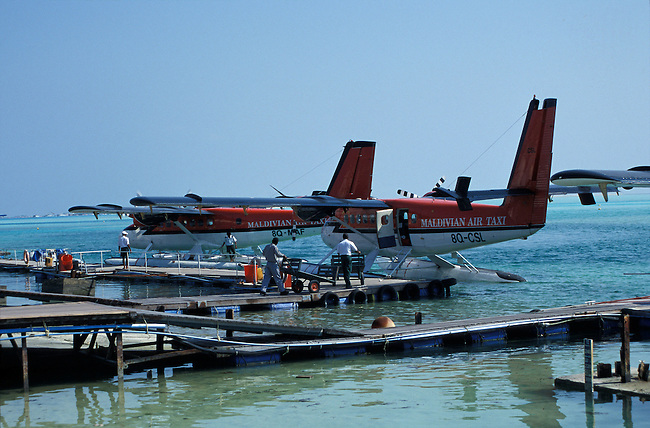 Male, un avion de la compagnie Maldivian Air Taxi. ***  Male airport, maldivian air taxi.