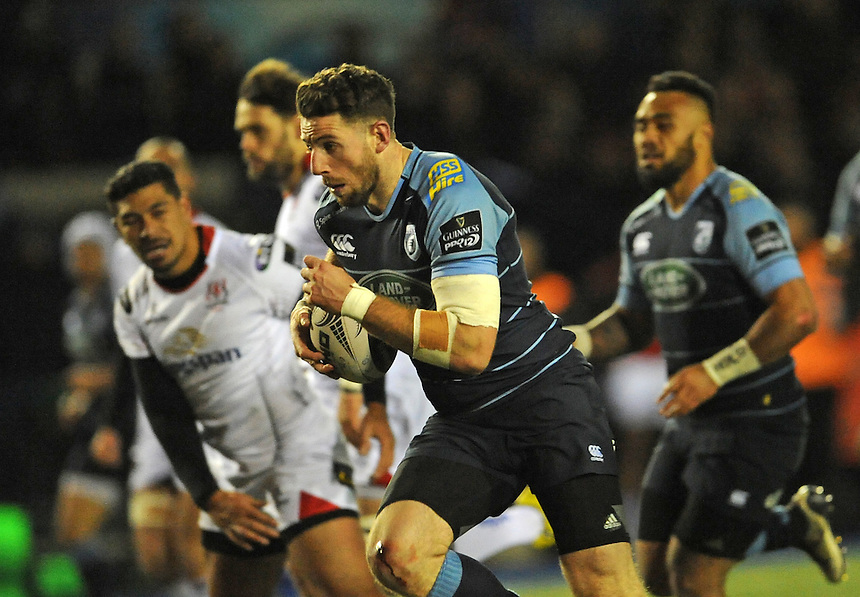 Cardiff Blues' Alex Cuthbert bursts through a goes on to score Cardiff Blues third try<br /> <br /> Photographer Ian Cook/CameraSport<br /> <br /> Guinness PRO12 Round 10 - Cardiff Blues v Ulster Rugby - Saturday 3rd December 2016 - Cardiff Arms Park - Cardiff<br /> <br /> World Copyright &copy; 2016 CameraSport. All rights reserved. 43 Linden Ave. Countesthorpe. Leicester. England. LE8 5PG - Tel: +44 (0) 116 277 4147 - admin@camerasport.com - www.camerasport.com