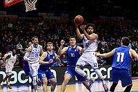 GRONINGEN - Basketbal, Donar - Den Helder, Dutch Basketbal League, seizoen 2019-2020, 09-02-2020,  Donar speler Carrington Love zoekt ploeggenoot