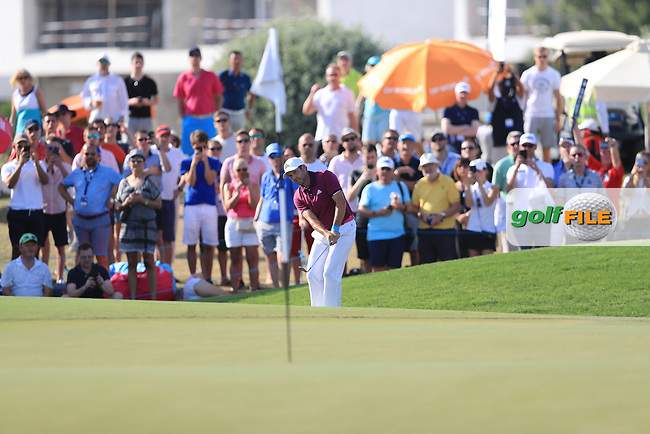 Sergio Garcia (ESP) on the 18th green during Round 4 of the DP World Tour Championship 2017, at Jumeirah Golf Estates, Dubai, United Arab Emirates. 19/11/2017<br /> Picture: Golffile | Thos Caffrey<br /> <br /> <br /> All photo usage must carry mandatory copyright credit     (&copy; Golffile | Thos Caffrey)