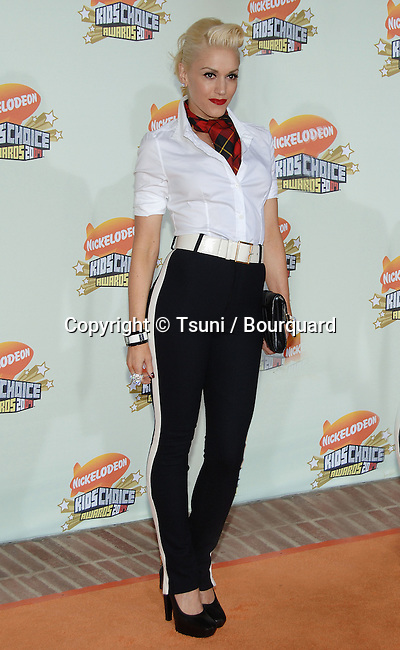 Gwen Stefani arriving at the Nickelodeon's 20th Annual Kids' Choice Awards 2007 at the Pauley Pavillion at UCLA In Los Angeles.<br /> <br /> full length
