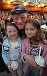 Jackie Healy-Rae meets up with Clodagh and Kayleigh Brosnan at a monster rally attended by over 1,000 people in Killarney on Sunday night.<br />Picture by Don macMonagle