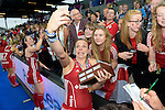 ENG - London, England, August 30: Kate RICHARDSON-WALSH #11 of England does a selfie with fans after winning the gold medal match against The Netherlands 2-2 (3-1 SO) on August 30, 2015 at Lee Valley Hockey and Tennis Centre, Queen Elizabeth Olympic Park in London, England.  (Photo by Dirk Markgraf / www.265-images.com) *** Local caption ***