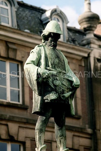The statue of Pieter Coutereel in Leuven (Belgium, 23/05/2001)