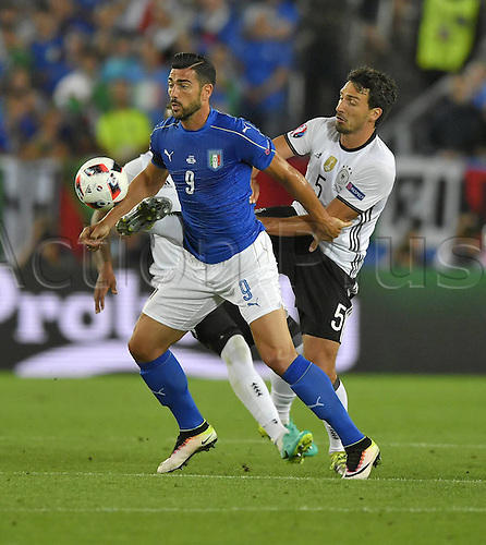 02.07.2016. Bordeaux, France. 2016 European football championships. Quarterfinals match. Germany versus Italy.  Graziano PELLE (ITA) challenged by Mats Hummels (Ger)