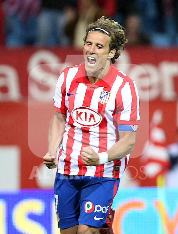 Atletico de Madrid's Diego Forlan celebrates goal during La Liga match. May 05, 2010. (ALTERPHOTOS/Acero)