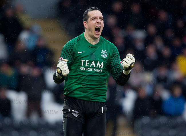 Jamie Langfield celebrates as Aberdeen equalise late on