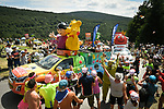Fans wave at the publicity caravan during Stage 15 of the 2018 Tour de France running 181.5km from Millau to Carcassonne, France. 22nd July 2018. <br /> Picture: ASO/Bruno Bade | Cyclefile<br /> All photos usage must carry mandatory copyright credit (&copy; Cyclefile | ASO/Bruno Bade)