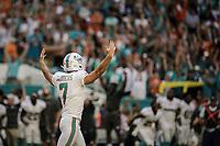 MIAMI, FL, 14.10.2018 – MIAMI DOLPHINS-CHICAGO BEARS – Kicker Sanders do Miami Dolphins anota o touchdown da vitória e comemora com a torcida, durante partida válida pela semana 6 da temporada regular da NFL, no Hard Rock Stadium, na tarde deste sábado (14). (Foto: Jayson Braga / Brazil Photo Press)