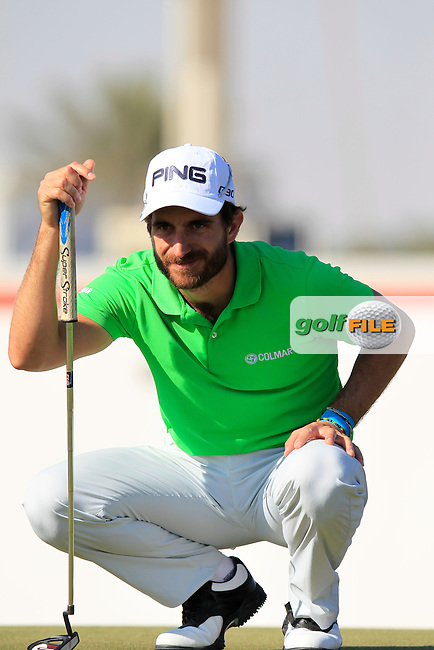 Alejandro CANIZARES (ESP) lines up his putt on the 10th green during Thursday's Round 2 of the 2015 Commercial Bank Qatar Masters held at Doha Golf Club, Doha, Qatar.: Picture Eoin Clarke, www.golffile.ie: 1/22/2015