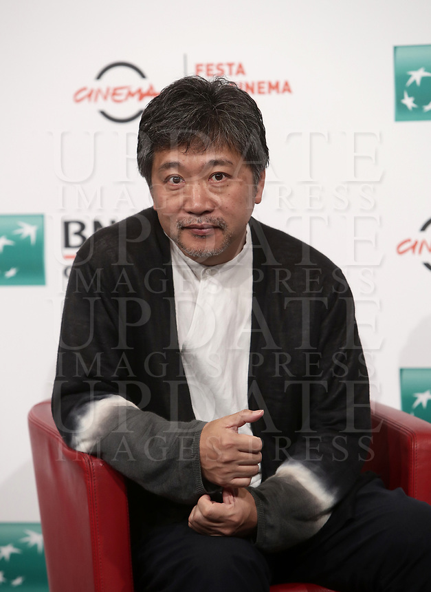 Il regista giapponese Hirokazu Kore-eda posa durante un photocall alla 14^ Festa del Cinema di Roma all'Aufditorium Parco della Musica di Roma, 19 ottobre 2019.<br /> Japanese director Hirokazu Kore'eda poses for photocall during the 14^ Rome Film Fest at Rome's Auditorium, on 19 october 2019.<br /> UPDATE IMAGES PRESS/Isabella Bonotto