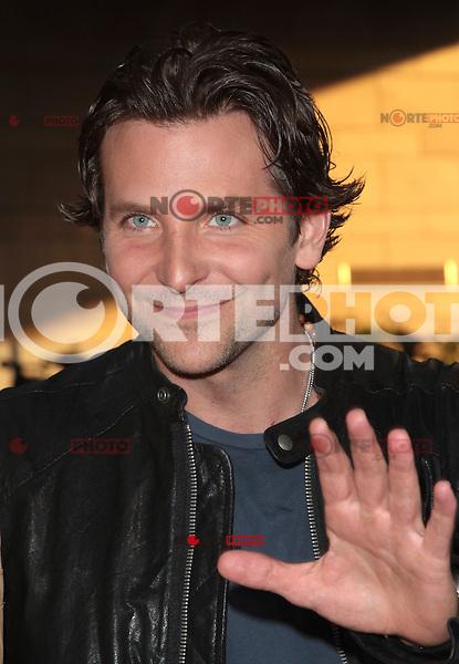 LOS ANGELES, CA - AUGUST 14: Bradley Cooper arrives at the 'Hit & Run' Los Angeles Premiere on August 14, 2012 in Los Angeles, California MPI21/Mediapunchinc /NortePhoto.com<br /> <br /> **CREDITO*OBLIGATORIO** *No*Venta*A*Terceros*<br /> *No*Sale*So*third* ***No*Se*Permite*Hacer Archivo***No*Sale*So*third*