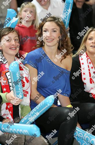 2010-04-17 / Seizoen 2009-2010 / Basketball / Antwerp Giants - Base BC Oostende / Ook Nathalia komt supporteren voor de Giants..Foto: mpics