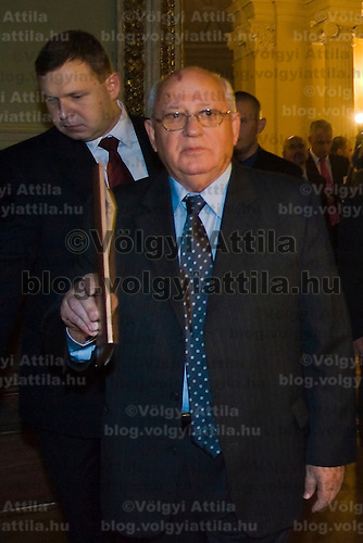 Michail Gorbachov attends a meeting of the World Political Forum held at the Hungarian Science Academy.