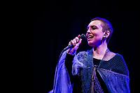 NOVA YORK, EUA, 27.10.2019 - SHOW-EUA - A cantora Adriana Calcanhotto durante show na cidade de Nova York nos Estados Unidos neste domingo, 27. (Foto: Vanessa Carvalho/Brazil Photo Press/Folhapress)
