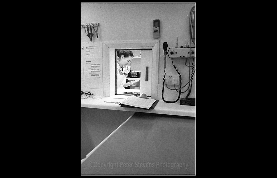 RSPCA - Putney Animal Hospital - 6 Clarendon Drive, London SW15 - 10th December 1999