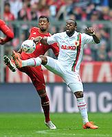 FUSSBALL   1. BUNDESLIGA  SAISON 2011/2012   29. Spieltag FC Bayern Muenchen - FC Augsburg       07.04.2012 Jerome Boateng (li, FC Bayern Muenchen) gegen Nando Rafael (FC Augsburg)